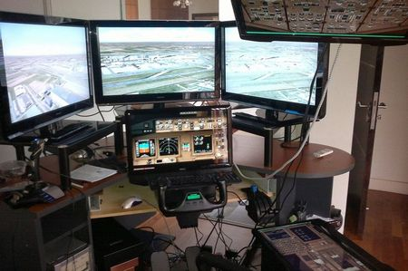 Captain Zaharie home flight simulator