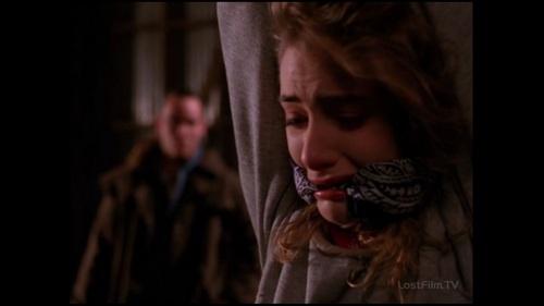 Заключительная серия первого сезона, во рту у Шелли, бандана которую я ношу сейчас